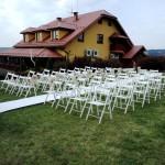 wypożycz białe składane krzesła