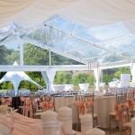 wesele pod namiotem krzesła wypożyczone