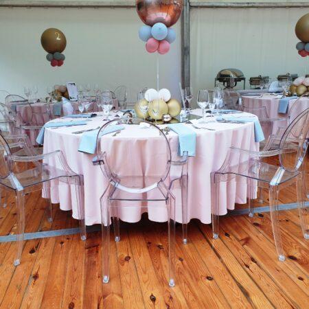 krzesła ghost wypożyczone na wesele